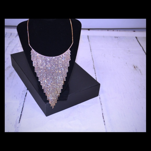 Jewelry - 💎New💎Diamond Set: necklace & earrings💎